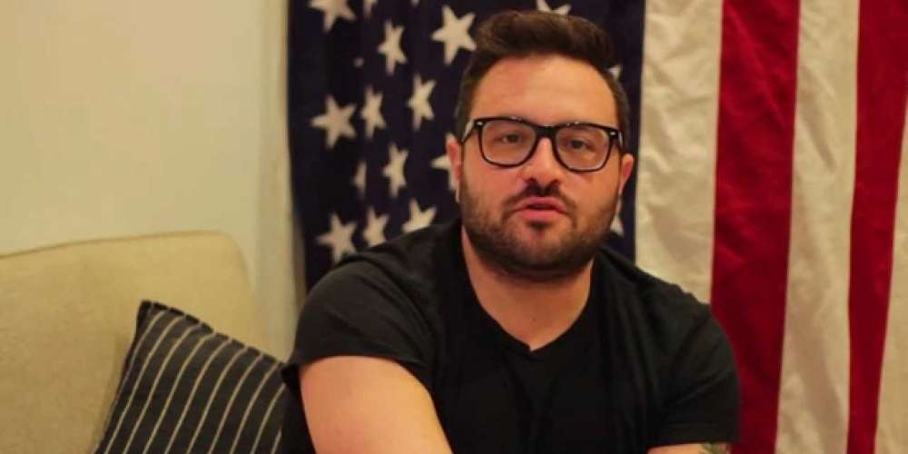 This Fan Learned the Hard Way Not to Call Gay Comedian Eliot Glazer a Bear