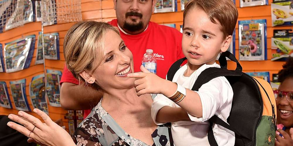 Sarah Michelle Gellar Wins Parent of the Year for Her Matching Manicure With Son Rocky