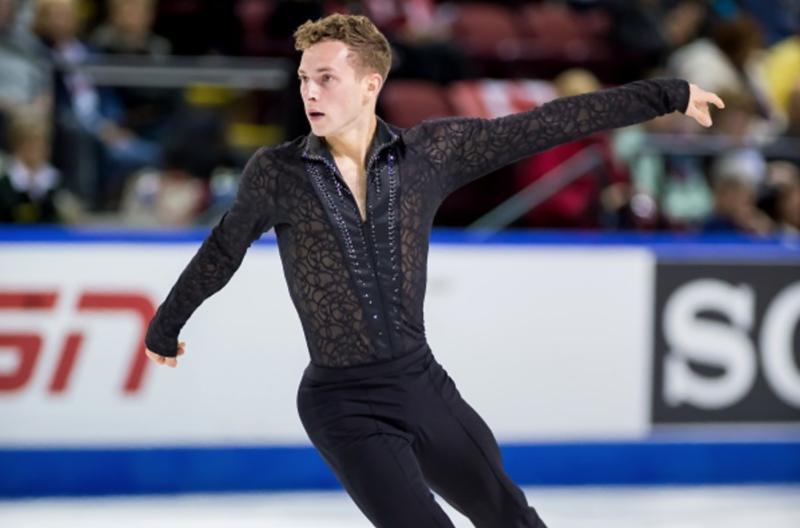 Figure gay man skater