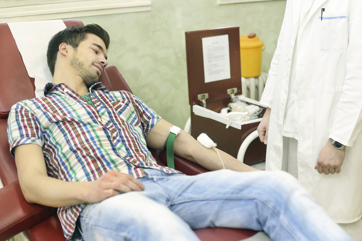 男同志可捐血!衛福部食藥署擬解禁「男性間性行為者終生不得捐血」之規定