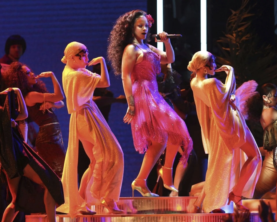 grammys performance rihanna