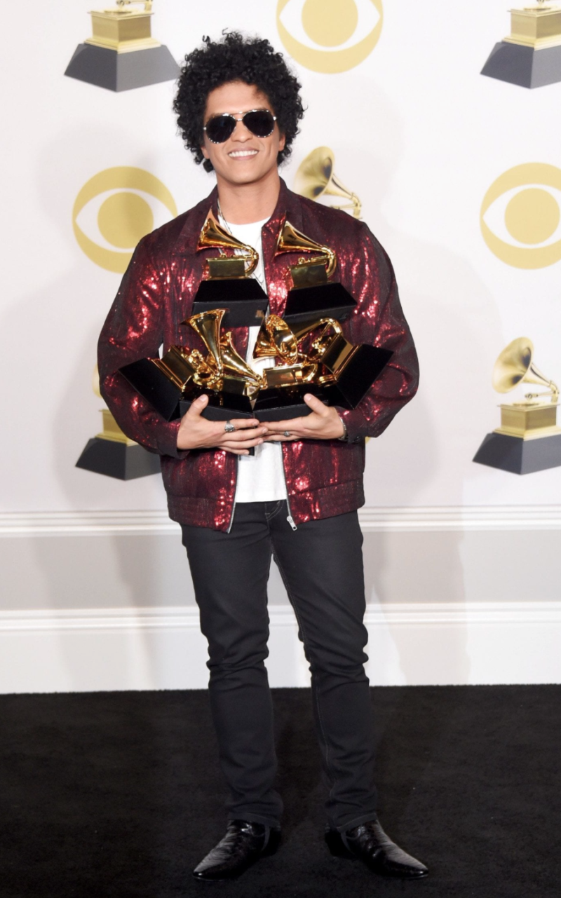 grammys red carpet bruno mars