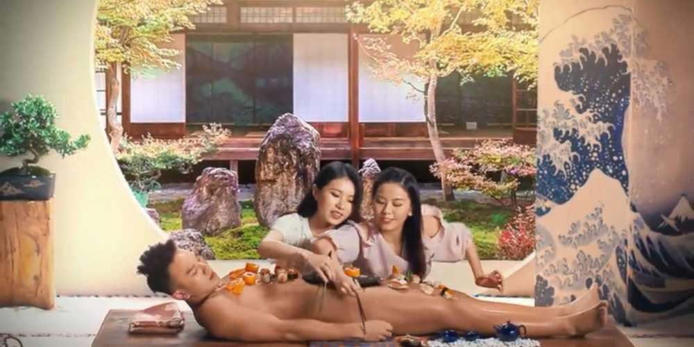 廉價航空香港快運航空(HK Express)推出男體盛活動廣告惹議