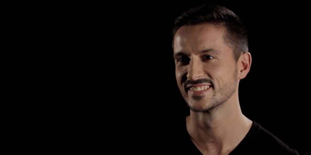 Découvrez le portrait de Yohann, premier épisode de notre série consacrée aux gays millenials