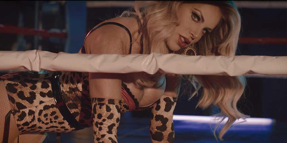 Checa el Nuevo y Sensual Video de Lorena Herrera Titulado 'Tócame'