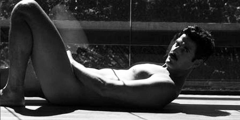 Reynaldo Gianecchini posa nu e ostenta tanquinho aos 45 anos