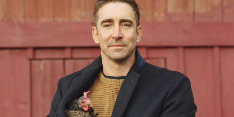 Lee Pace comes out 01