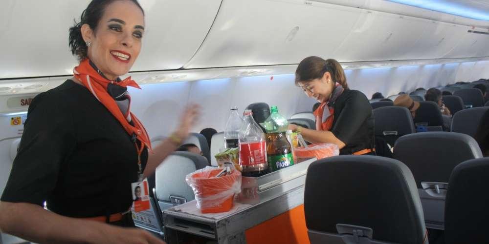 GOL é primeira companhia aérea brasileira a ter comissária transexual