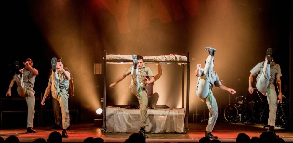 YANK! – O Musical tem romance gay e usuários Hornet tem 50% de desconto no ingresso