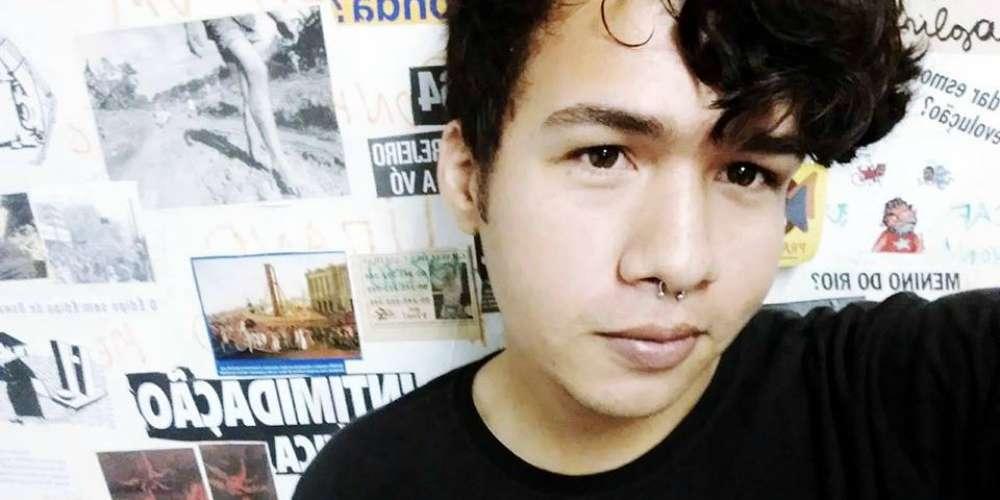 Jovem gay suicida após escrever relato chocante sobre a família em redes sociais