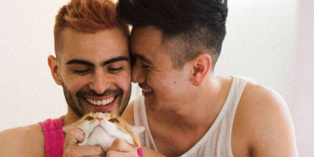 This Artist's Photos Depict Gay Millennial Love Stories of the Digital Age