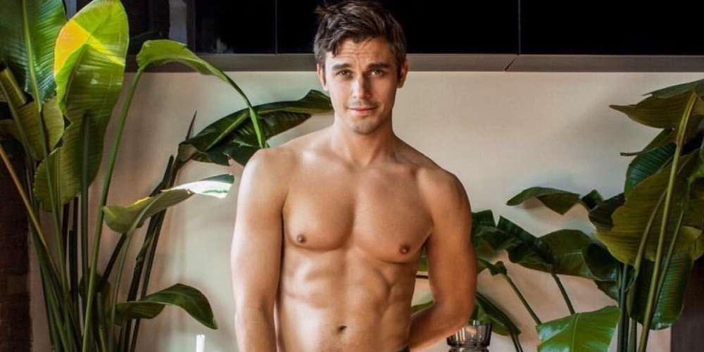 'Queer Eye' Food Guy Antoni Porowski Had Gay Men Everywhere Googling the Term 'Contrapposto'