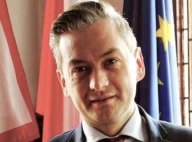Robert Biedroń poland's first gay president feat