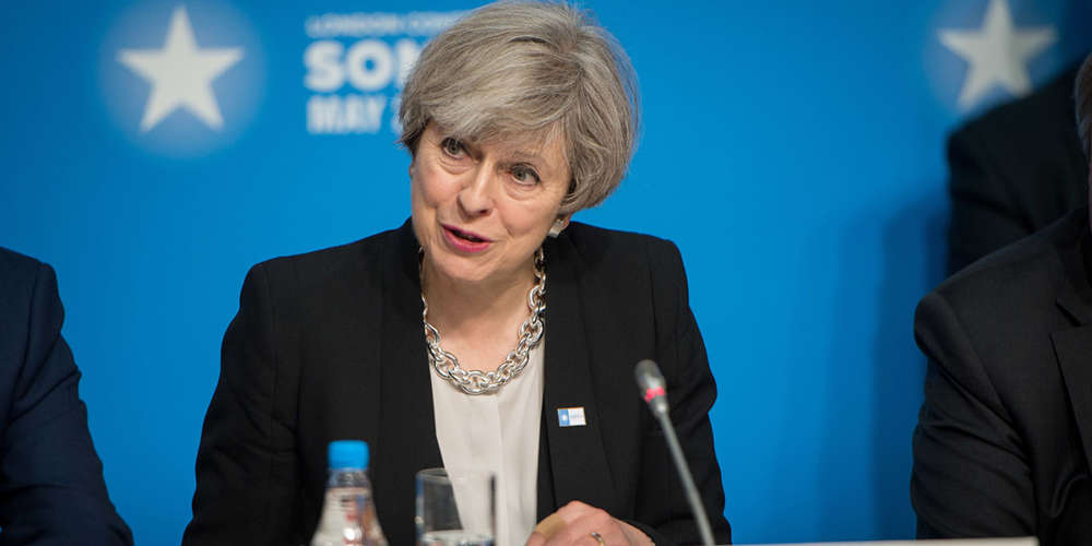 Lois homophobes dans le Commonwealth: les regrets de Theresa May