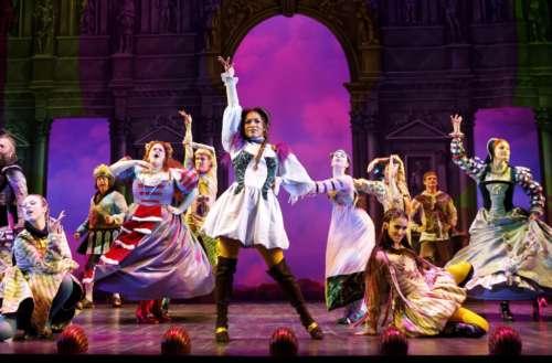 go-go's musical head over heels teaser Ben Brantley Head Over Heels transphobic review