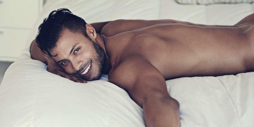 Этично ли хранить интимные фотографии своего бывшего?