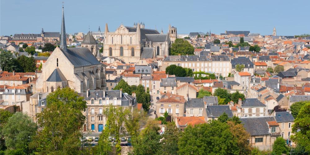Des militants de Aides victimes d'une agression homophobe à Poitiers