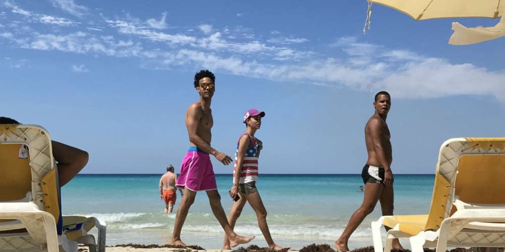Guia Gay Hornet de Havana (ooh na-na)