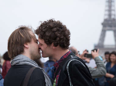 kiss in Trocadéro