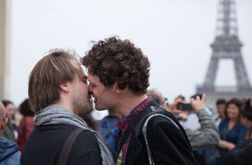 kiss in Trocadéro