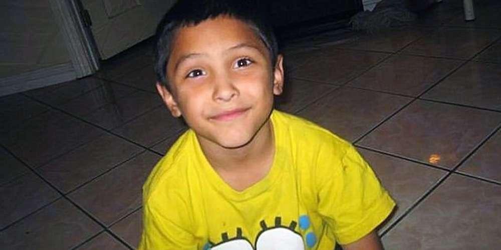 Padrasto tortura e mata filho da namorada por achar que ele era gay