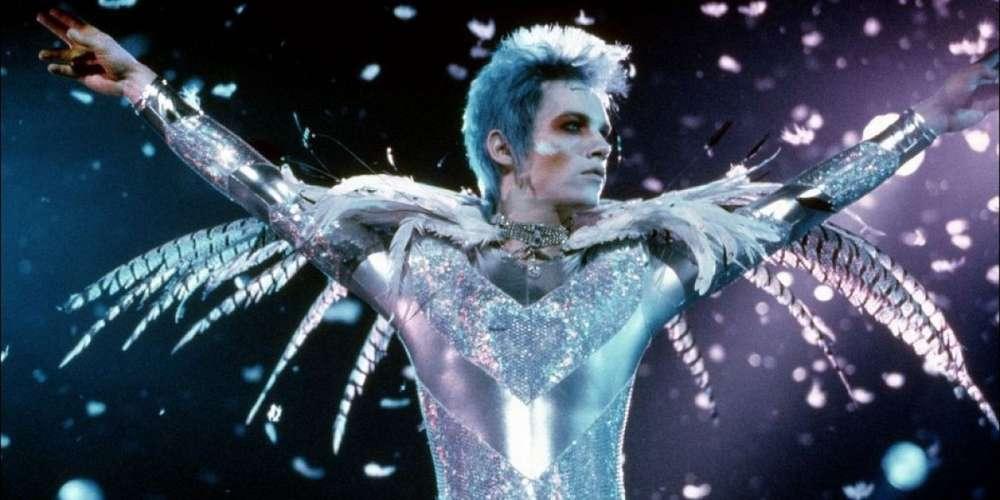 Las Curvas de tus Labios Reescriben la Historia: 20 Años de 'Velvet Goldmine'