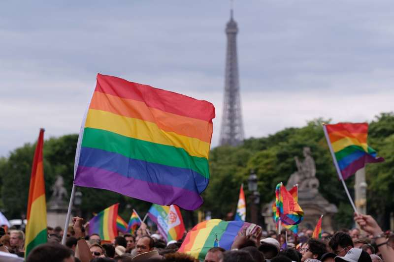 paris pride guide