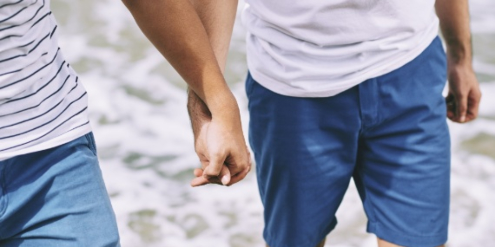 Um estabelecimento pode se negar a me atender só porque eu sou gay?