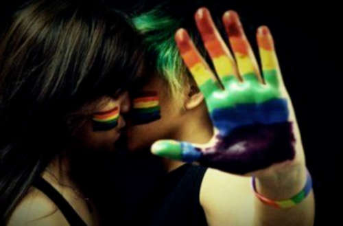 lésbicas comete suicídio