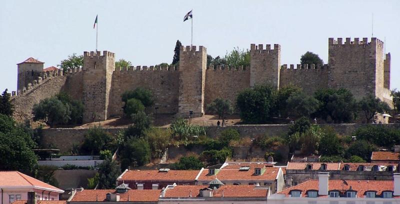 gay lisbon guide castelo de sao jorge