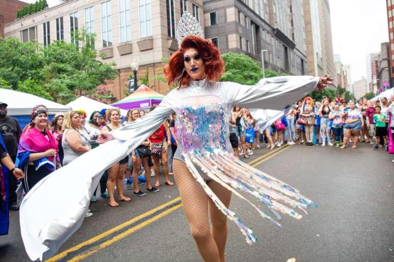 pittsburgh pride phtoos drag queen inline