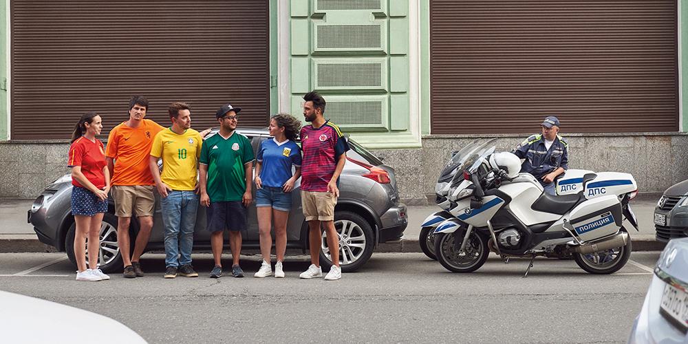 【Hornet彩虹換日線】足球場外的聲音 隱形彩虹旗橫行莫斯科街頭