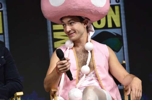 Ezra Miller cosplay toadette