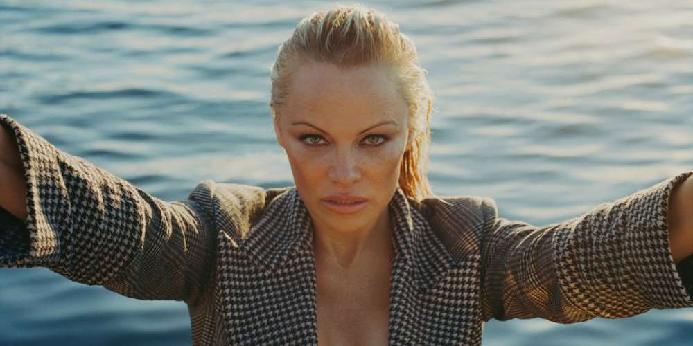 No, Pamela Anderson, Asexuals Aren't Just Broken Nerds Afraid of Sex