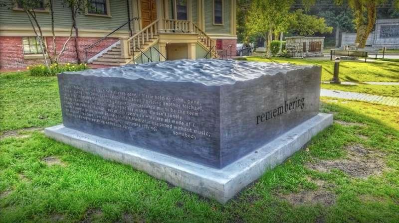 Provincetown AIDS memorial 02