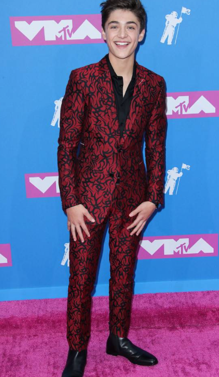 vma red carpet asher angel