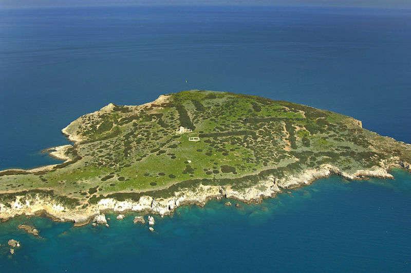 San Domino 01, Mussolini's gay island 01
