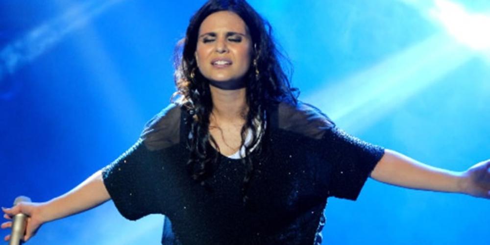 Aline Barros nega ter demitido backing vocal por ser lésbica, leia declaração