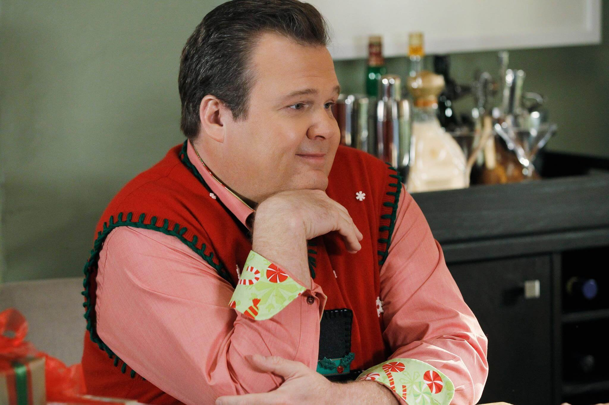 Cameron Tucker from Modern Family, femme characters 09