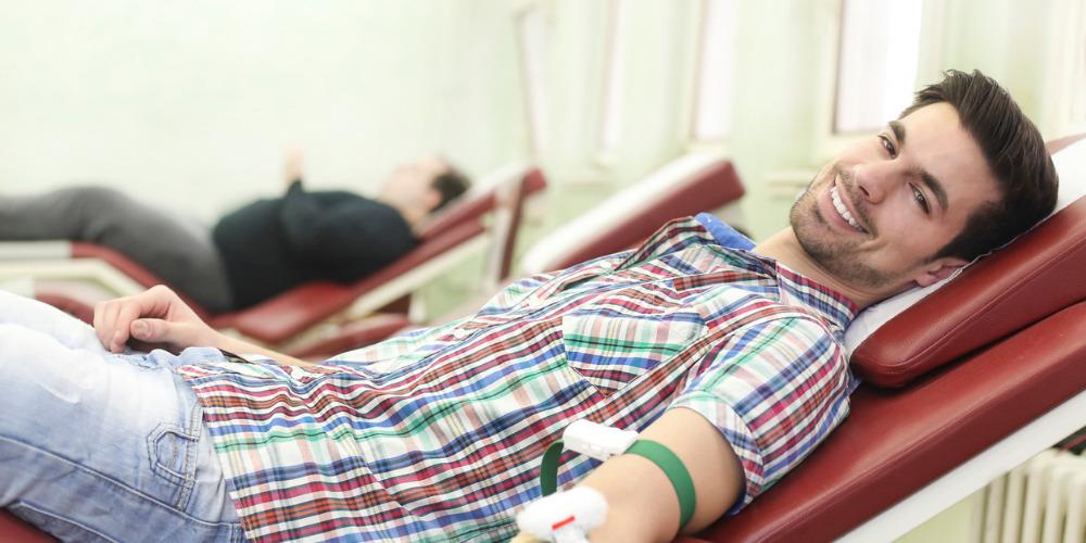Don du sang: la période d'abstinence d'un an pour les gays pourrait être levée