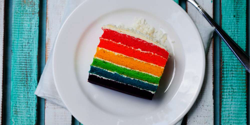 The Daily Sting, Wednesday: Gays Can't Buy Cake Anywhere, a Huge Honor for Drake
