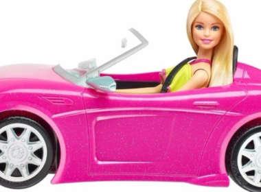 Meme Barbie Militante