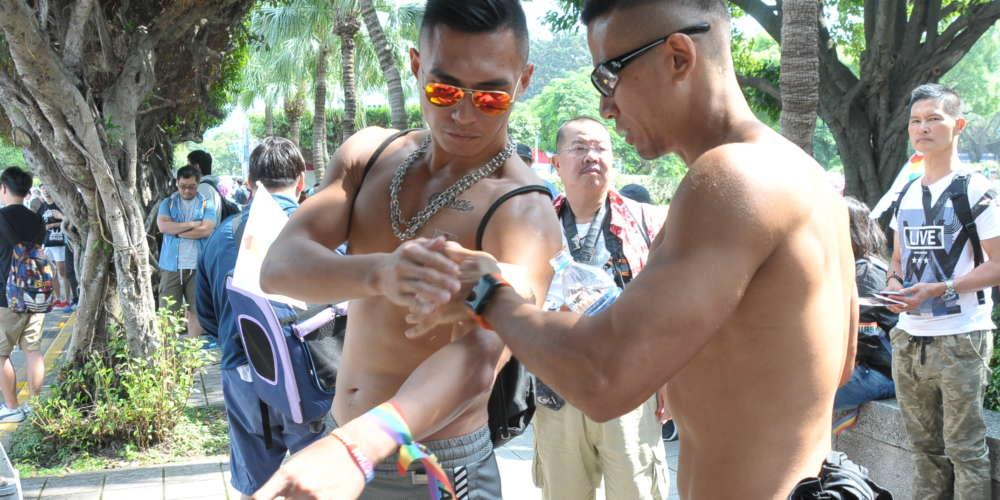 台灣同志大遊行 你錯過了哪些帥哥猛男的漏網鏡頭?