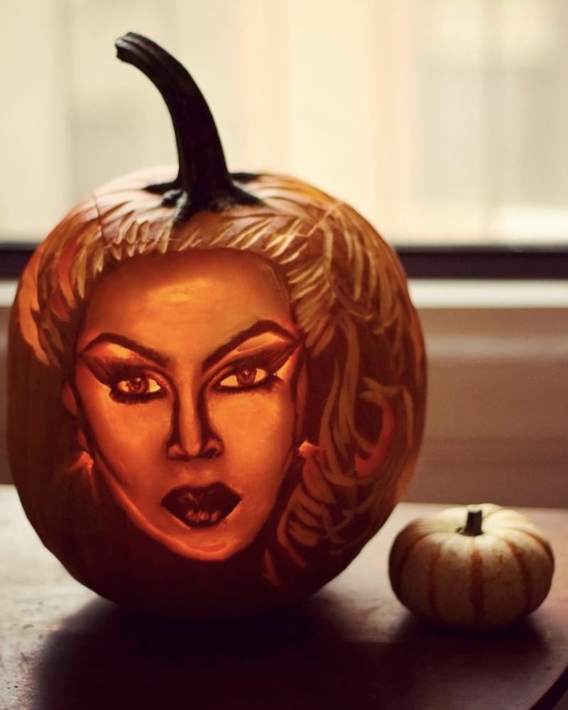 brent heuser pumpkin carver 6