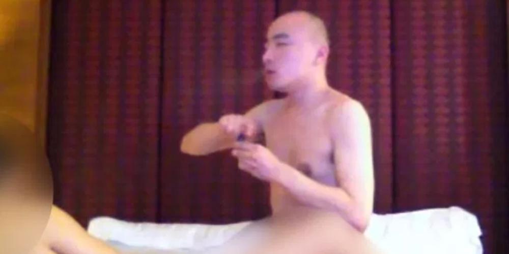 Monge budista filmado em orgia gay usando drogas tem sex tape vazada