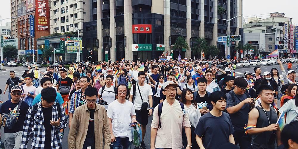 三振後還有下一局 2018高雄同志大遊行2萬人上街 彩虹回家,異同政視