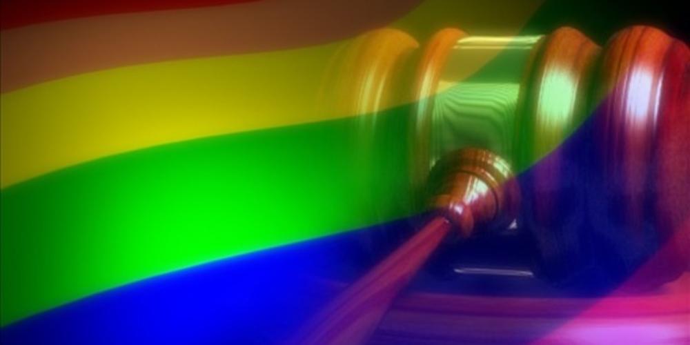Homem que xingou casal gay em estação de trem é condenado em SP