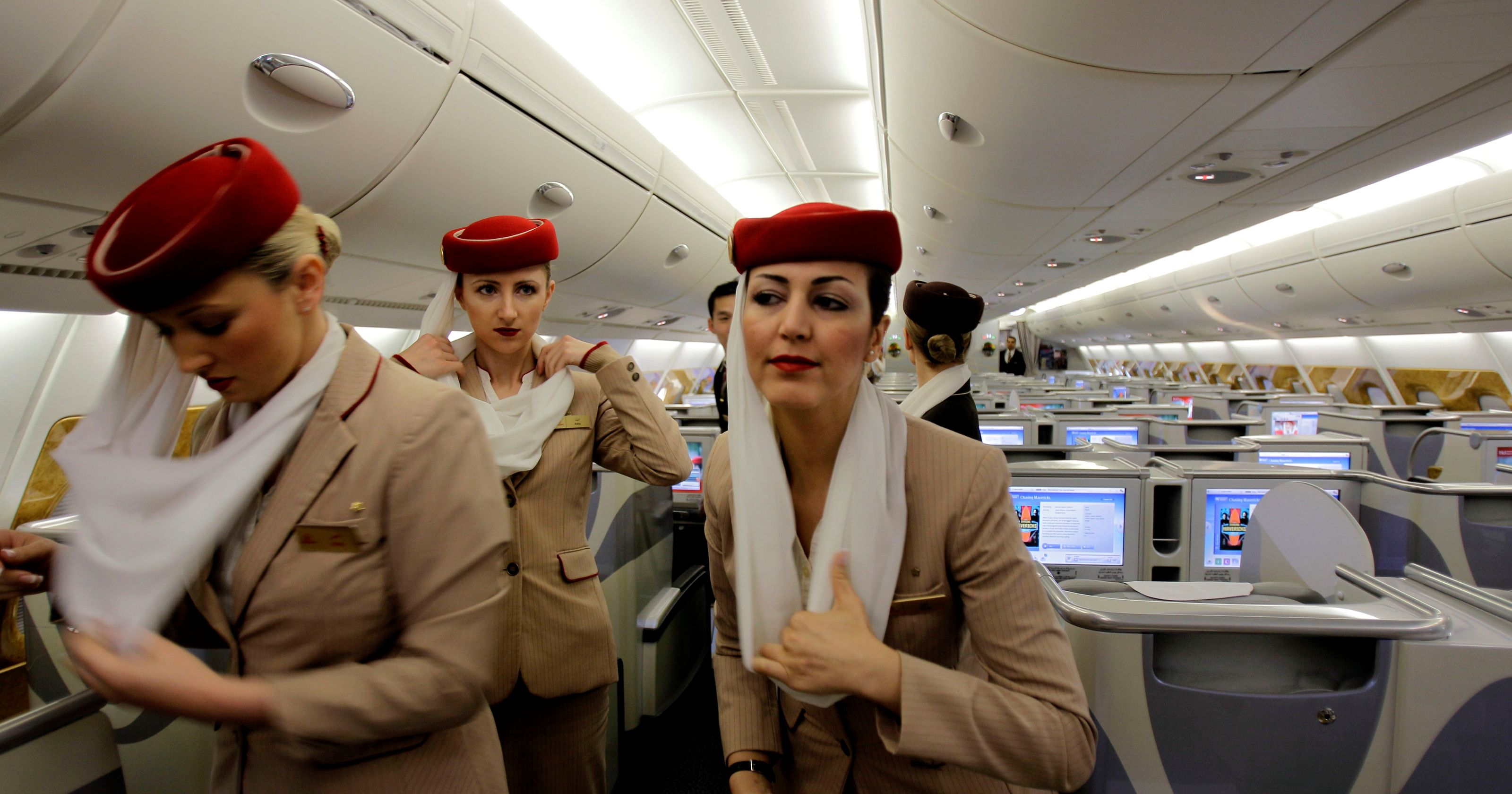 coachella kissing video emirates