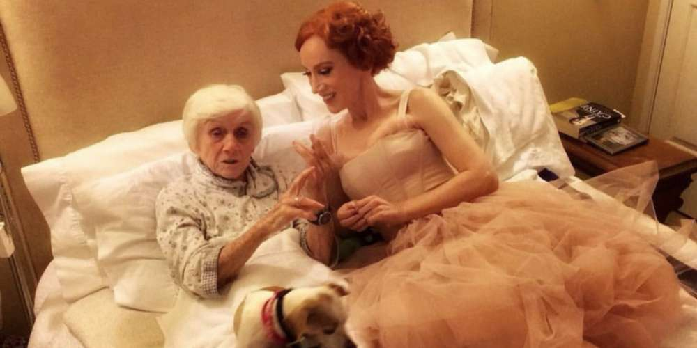 In Heartbreaking Series of Tweets, Kathy Griffin Reveals Her Mom, Maggie, Has Dementia
