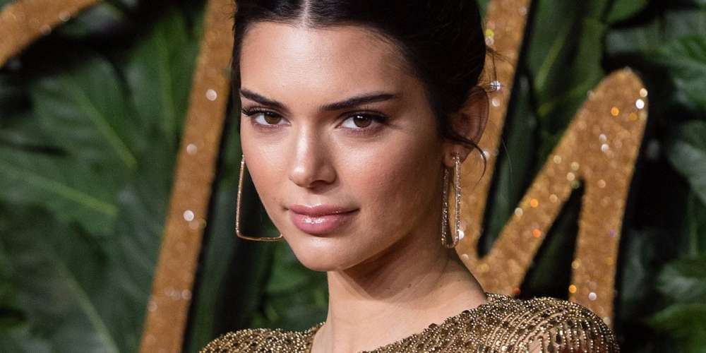 Social Media Is Pissed Off That Kendall Jenner Didn't 'Come Out' on Sunday Night